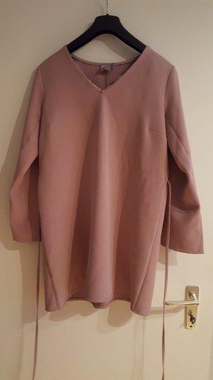 kleid von asos in nude/ rose