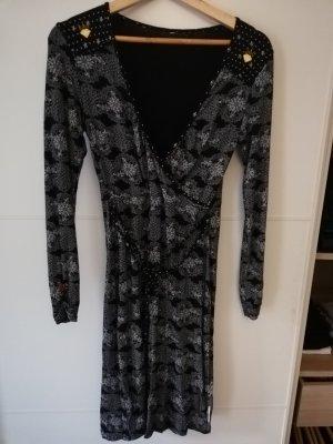 Kleid von Blutsschwester