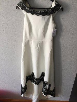 Kleid von Boohoo