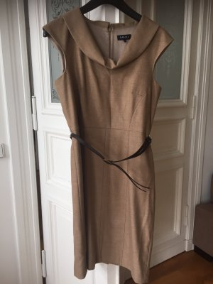 Kleid von Caroll