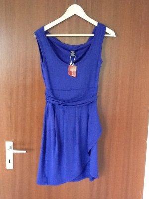 Kleid von Castro in Gr.M in !!!Lila!!!!-sieht auf dem Bild blau aus!