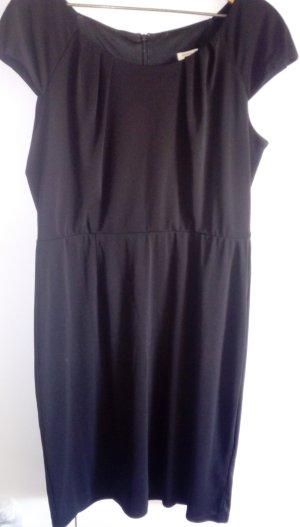 Kleid von Christian Berg