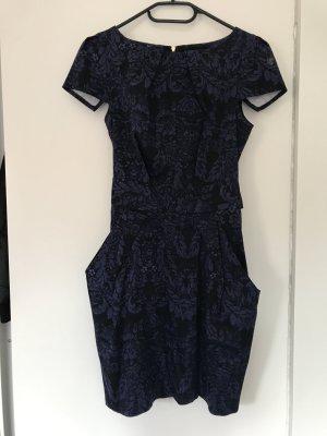 Kleid von Closet