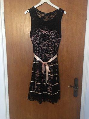 Kleid von Colloseum