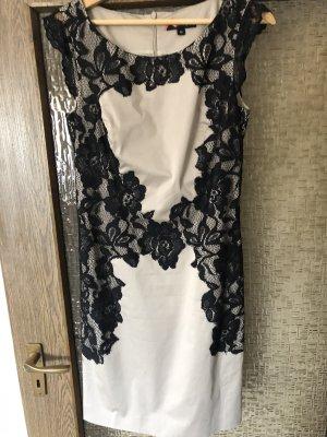 Kleid von Comma