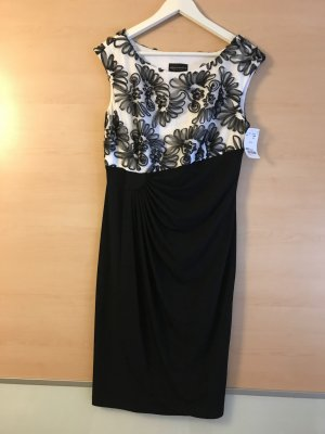 Kleid von Connected Apparel