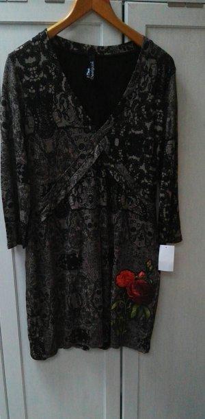 Kleid von Desigual neu mit Etikett