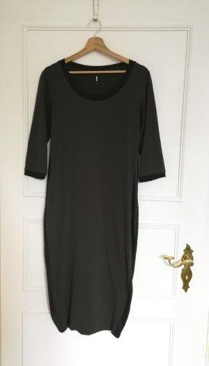 Kleid von eksept