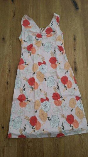 Kleid von Esprit, hellrosa mit Blumenmuster
