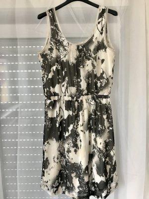 Kleid von Esprit in Größe 38
