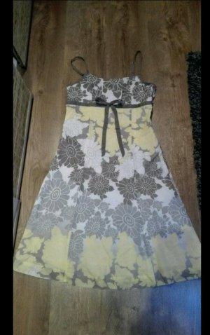 Kleid von Esprit Romantic Look