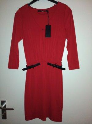 Guess Vestido rojo