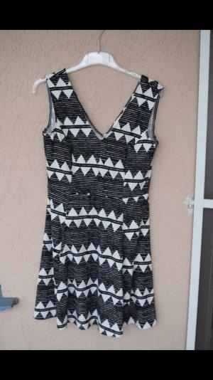 Kleid von H&M ärmelfrei