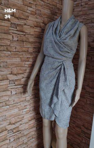 H&M Vestido de manga corta gris claro-gris