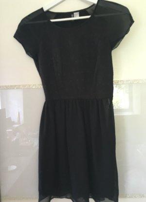 Kleid von H&M in schwarz Größe 34