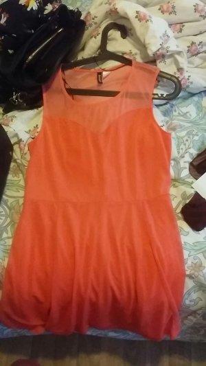 Kleid von H&M ist super schön für den sommer