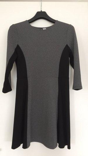 Kleid von H&M mit 3/4 Arm