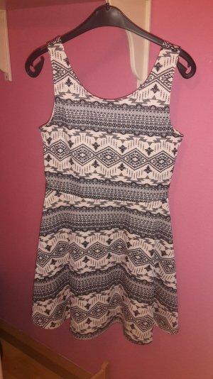 Kleid von H&M schwarz/weiß