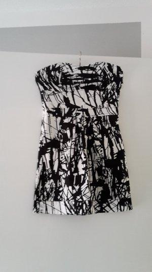 Kleid von Ichi in schwarz weiß