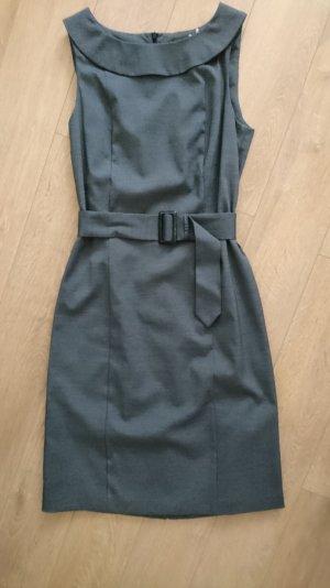 Kleid von Jake's in grau zu verkaufen