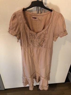 Kleid von Khujo