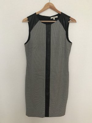 Kleid von Koton