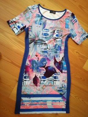 Kleid von Looxent