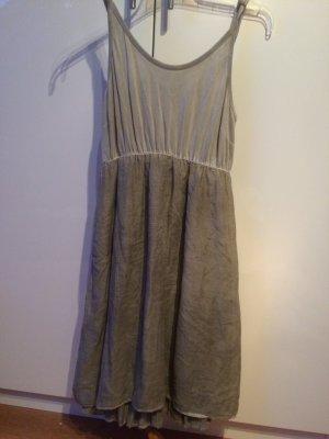 Kleid von Margittes