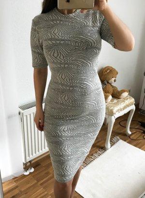 Kleid von minimum Gr.S Grau neu