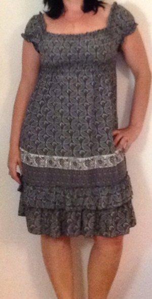 Kleid von Mötivi