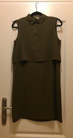 Kleid von Monki mit Kragen waldgrün dunkelgrün ärmellos