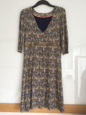 Kleid von More&More mit Pailettenbordüre