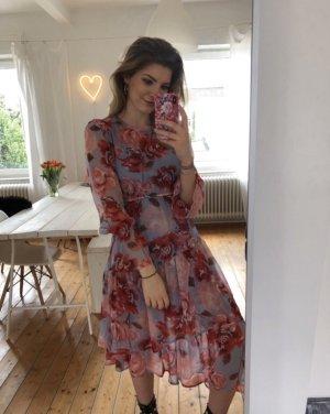 Kleid von NAKD in 36