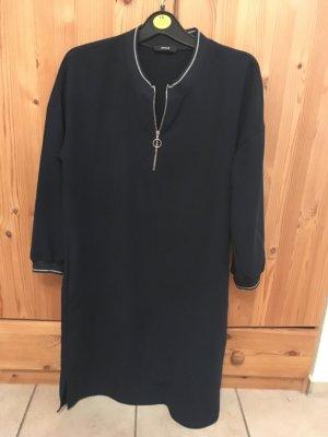 Kleid von Opus