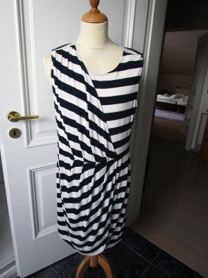 Kleid von Oui im Marine- Look