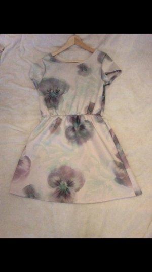 Kleid von Pieces