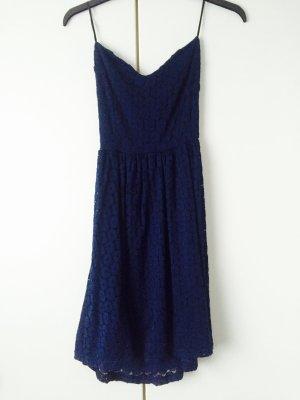 - Kleid von Pimkie -