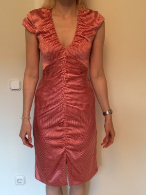 Kleid von René Lezard