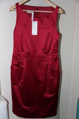 Kleid von Rene Lezard