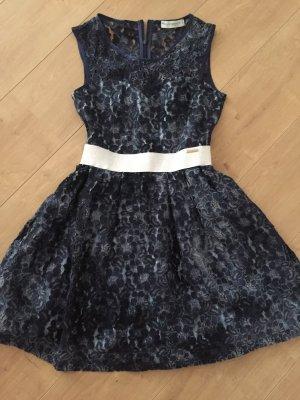 Kleid von Rinascimento - NP 119€