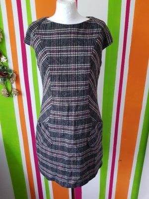 Kleid von S.Oliver Gr. 38 M Neu Etuikleid Wollkleid Minikleid Büro Casual warm karokleid