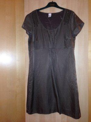 Kleid von s.Oliver in Braun mit Nietendetail, Gr. 42