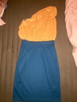 Kleid von Sisters Point