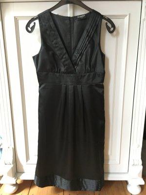 Kleid von SOAKED IN LUXURY in Größe S