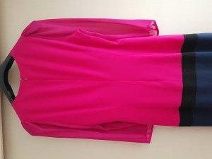 Kleid von Strenesse.Mit langen Ärmeln und Reißverschluss am Rücken