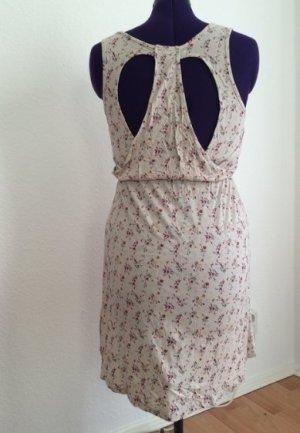 Kleid von Sublevel mit tollem Rückenausschnitt