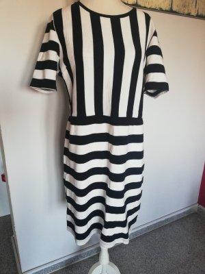 Kleid von TOP Shop Gr. 40