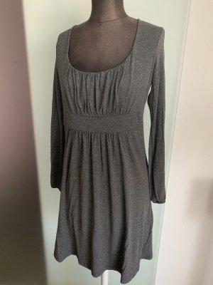 Kleid von Tramontana Gr 38 40 M, grau