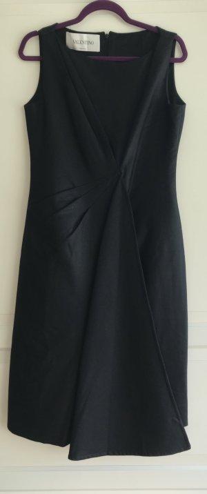 Kleid von Valentino aus schwarzer Wolle