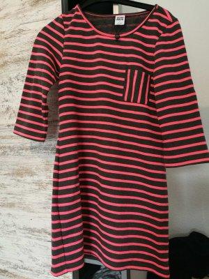 Kleid von (Vero Moda)